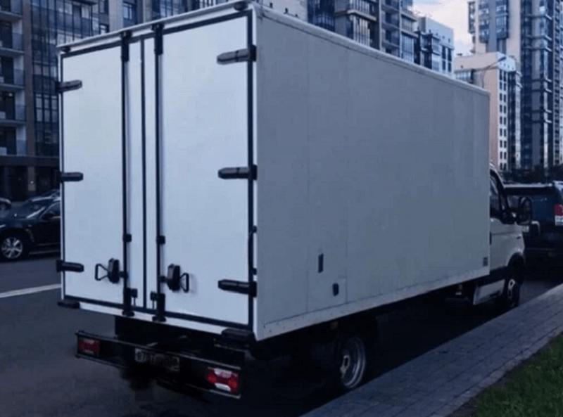 Промтоварный грузовик Iveco