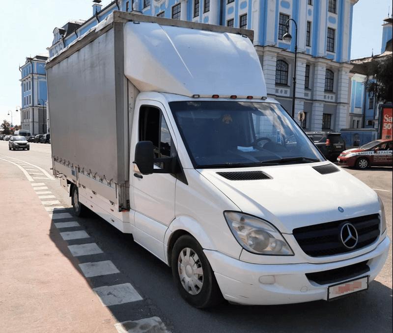 Тентованный грузовик Mercedes